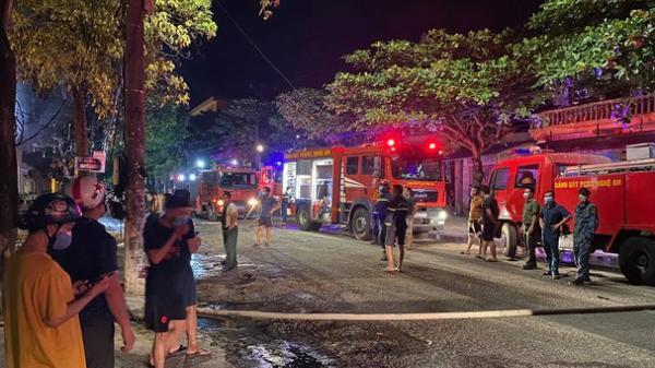 Nghệ An: Hiện trường vụ cháy phòng trà kinh hoàng khiến 6 người tử vong