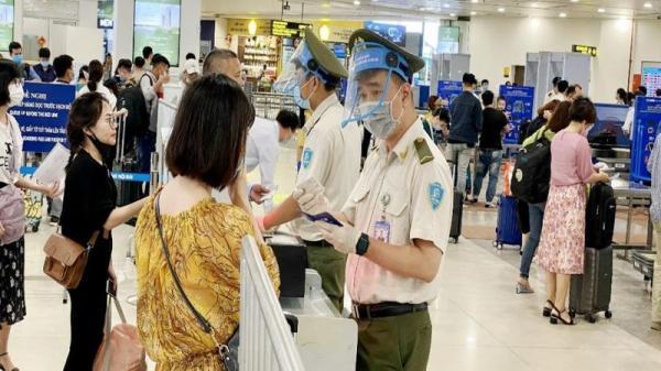 Cấm đi máy bay 1 năm 4 hành khách dùng giấy tờ giả không chịu nộp phạt