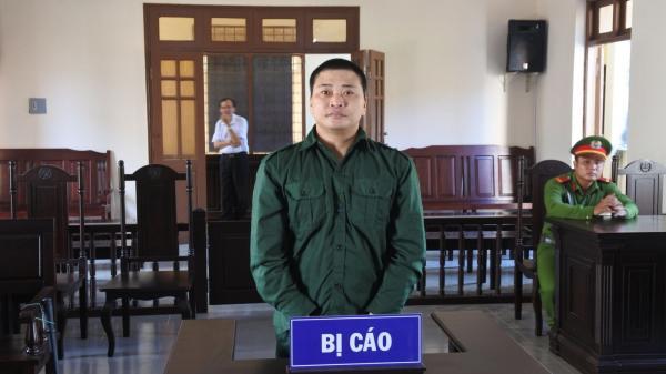 Vận chuyển vũ khí quân dụng trái phép, lãnh án 3 năm 6 tháng tù