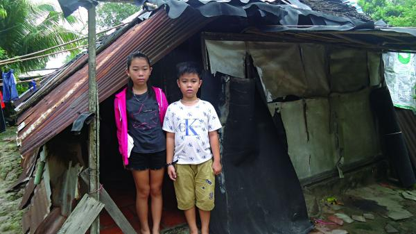 Tây Ninh: Hai chị em mồ côi cha học giỏi