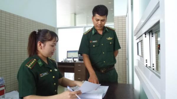 """Tây Ninh: Chuyện """"không bình thường"""" ở cửa khẩu quốc tế Mộc Bài"""