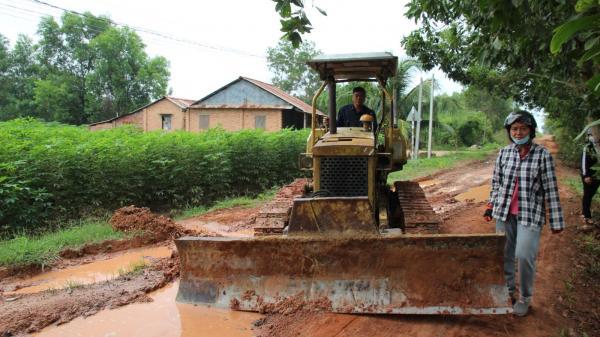 Tây Ninh: Nữ trưởng ấp vì dân