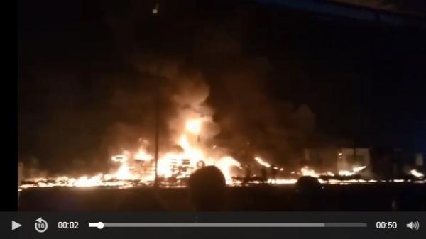 NÓNG: Xe bồn chở xăng gây cháy kinh hoàng, ít nhất 6 người c.hết