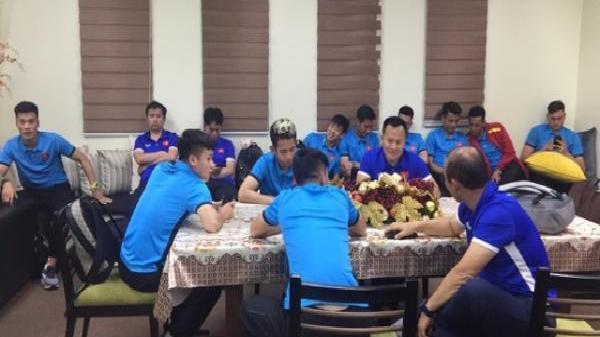 NÓNG: Đội tuyển Việt Nam gặp sự cố tại sân bay Philippines