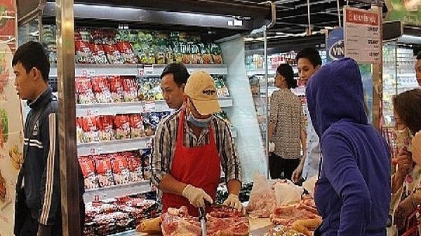 Hàng hóa Tết 'nóng' chuyện an toàn vệ sinh thực phẩm