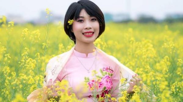 Nụ cười lạc quan của nữ sinh Thái Bình mắc ung thư trong bộ ảnh kỷ yếu khiến nhiều người xúc động