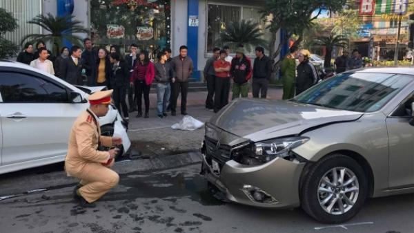 Thái Bình: Xe con đậu trên đường vẫn bị đâm trực diện, 2 xe hư hỏng nặng