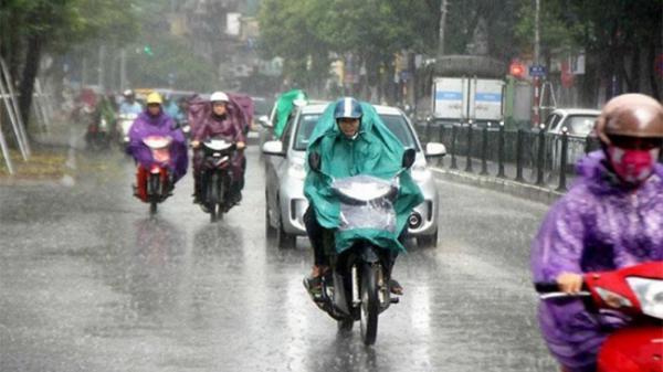 Đợt mưa dông kèm gió giật mạnh ở miền Bắc và miền Trung kéo dài đến khi nào?