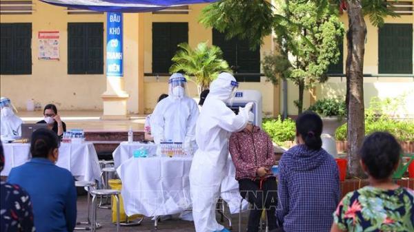 5 người trong 2 gia đình ở Long Biên mắc COVID-19, Hà Nội thêm 10 ca