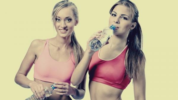 Tác dụng khó tin của việc uống nước mùa Đông, chị em nào cũng thích mê nếu biết!