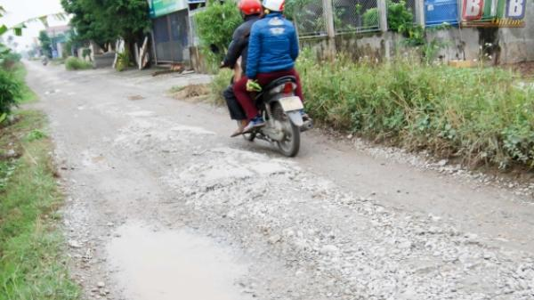 """Thái Bình: Tai nạn """"rình rập"""" vì đường xuống cấp"""