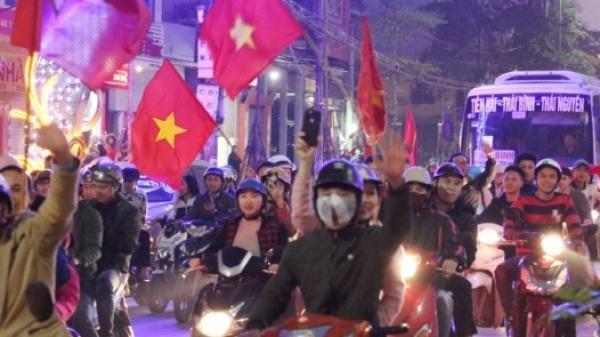 Sắc đỏ tràn ngập phố phường Thái Bình sau chiến thắng của U23 Việt Nam