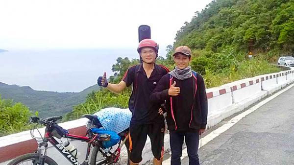Thái Bình: Đỗ đại học, chàng sinh viên đạp xe 1.000km 'báo' với người bố đã mất