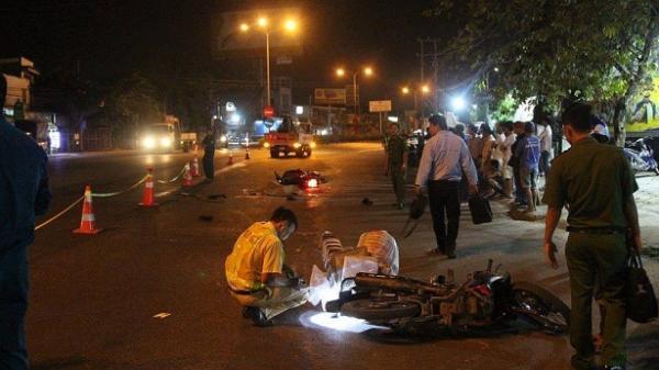 Va chạm với xe máy mang BKS Thái Bình, 1 người ngã ra đường bị xe tải cán tử vong