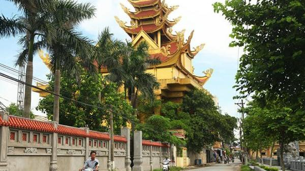 Giật mình với làng biệt thự giữa vùng quê nghèo Thái Bình