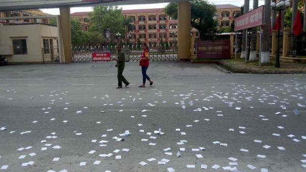 Giám đốc Sở GD&ĐT Thái Bình nói gì về phao thi rải trắng cổng trường