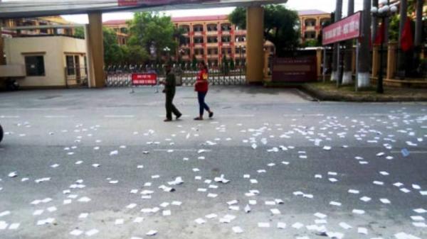 Thái Bình: Thanh niên lạ mặt rải phao thi trắng cổng trường thi tốt nghiệp THPT
