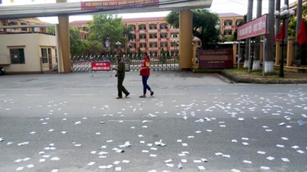 Dàn xếp rải phao thi trước cổng trường rồi tung lên facebook