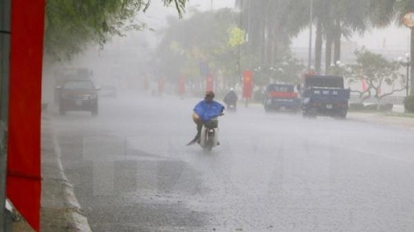 Cảnh báo mưa dông tại trung tâm Hà Nội, mưa lớn toàn miền Bắc