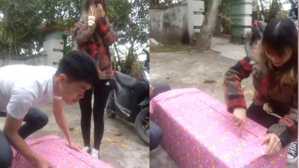"""Không cần hàng hiệu, ngày 8/3 ông chồng Thái Bình sửa soạn món quà bá đạo khiến vợ xinh """"dở khóc, dở cười"""""""
