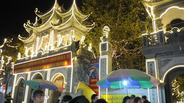 Khai mạc lễ hội đền Tiên La
