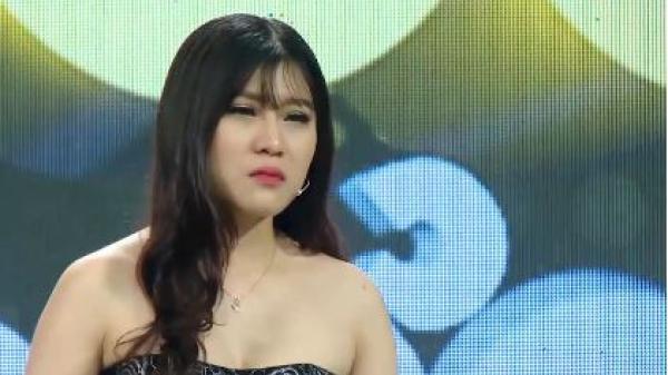 Nữ người mẫu Bắc Ninh bật khóc vì bạn trai tán tỉnh gái lạ trên Facebook