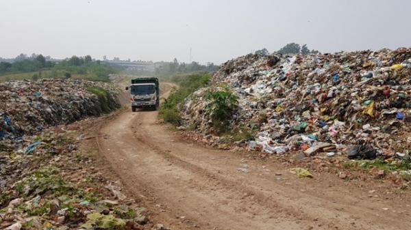 Vĩnh Phúc: Dân phải bỏ nhà vì không chịu được ô nhiễm từ bãi rác tạm