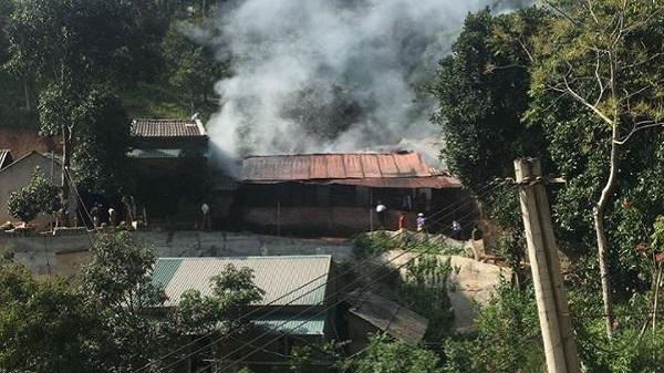 Hà Giang: Cháy kinh hoàng bao trùm 6 gian của dãy trọ tại thị trấn Vinh Quang