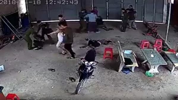 Chủ tịch xã thông tin về clip hàng chục công an đánh người dân Tuyên Quang