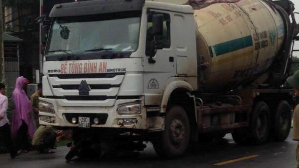 Xe bồn va chạm xe máy, 2 thanh niên Nam Định tử vong
