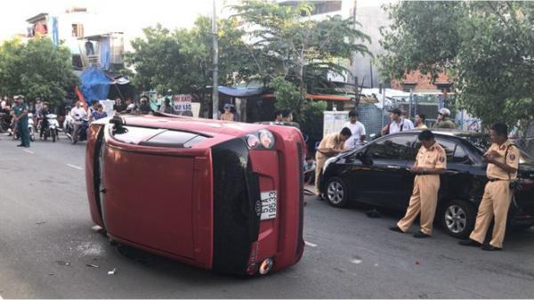 Thiếu niên 17 tuổi lái ô tô gây 2 tai nạn trên đường