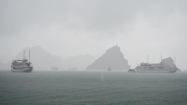 Quảng Ninh: Cảnh báo mưa dông diện rộng xuất hiện tố, lốc, mưa đá
