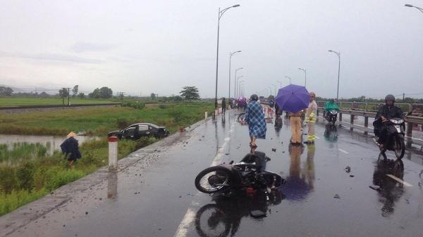 Hai người tử vong vì ô tô va chạm với xe máy