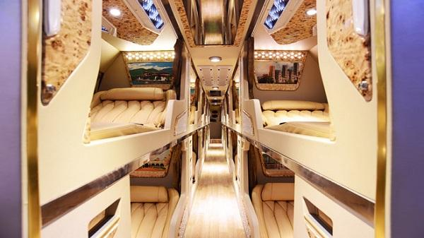 Cận cảnh mẫu xe khách có ý tưởng 'Cung điện bay' của thương hiệu Việt