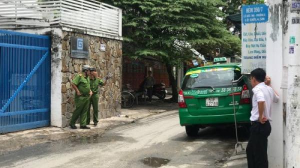Tạm giữ tài xế 'taxi công nghệ' chĩa súng vào tài xế taxi Mai Linh