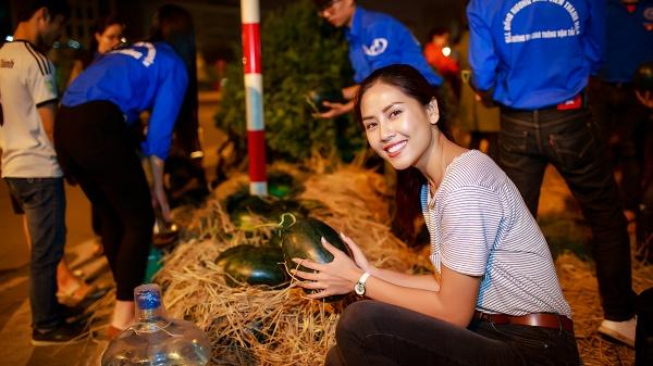 Người con quê lúa Nguyễn Thị Loan mua 3,5 tấn dưa ủng hộ bà con miền Trung