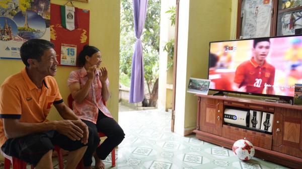 Cha Đoàn Văn Hậu: Cầu thủ quê Thái Bình chỉ thích ăn dưa cà