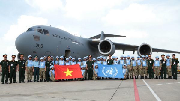 """Bác sĩ """"mũ nồi xanh"""" Việt Nam tiếp tục sang Nam Sudan làm nhiệm vụ"""