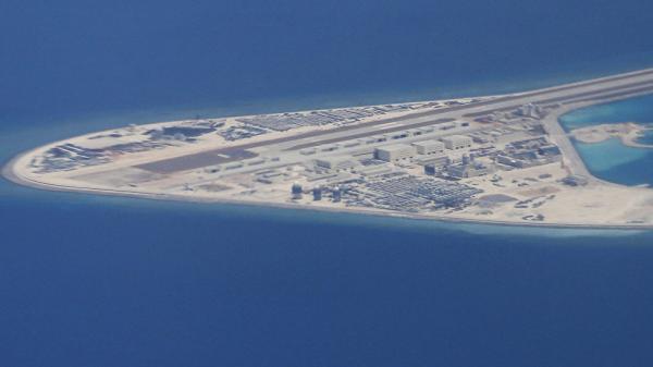 """Đi nước cờ quân sự chưa từng có, Trung Quốc, ASEAN khiến Biển Đông """"lặng sóng""""?"""