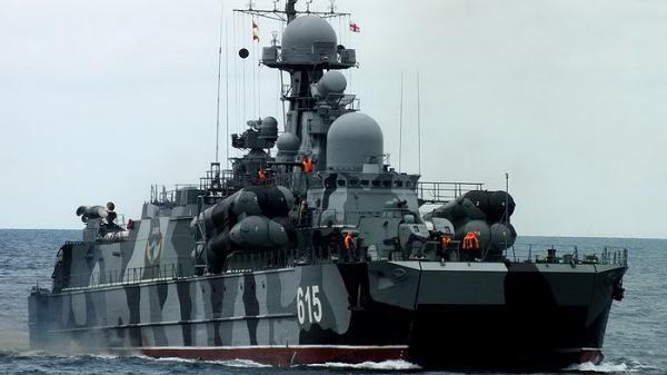 """[ẢNH] Tàu tên lửa tấn công nhanh chạy trên đệm khí """"không có đối thủ"""" của Nga"""