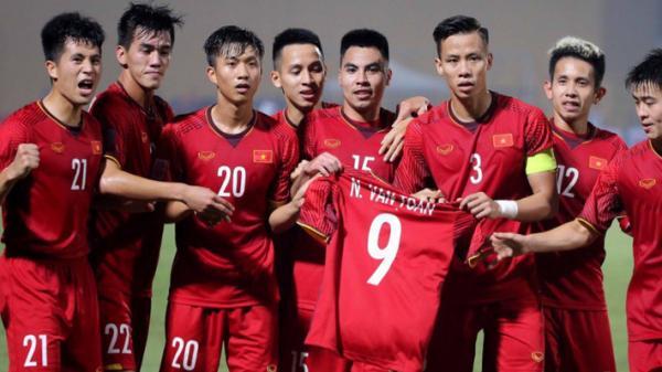 """""""Cứ chơi thế này, Việt Nam không cần ngán Thái Lan hay đối thủ nào ở bán kết"""""""
