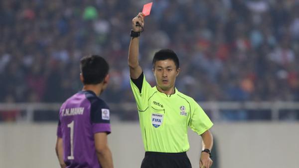 Trọng tài Trung Quốc có thể bắt trận bán kết của tuyển Việt Nam