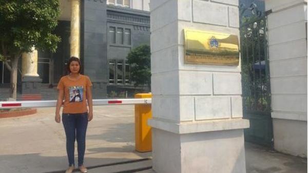 Vợ tài xế container quê Thái Bình sau khi nhận tin hủy 2 bản á.n: 'Tôi sẽ lên Thái Nguyên báo tin cho chồng'