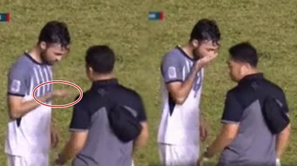 Sau khi uống viên thuốc lạ, cầu thủ Philipines chạy hăng máu trên sân cỏ, cả khán đài thắc mắc hóa ra là...