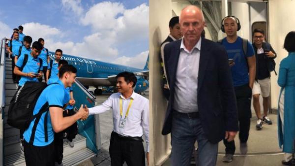 Cầu thủ Philippines ghen tị vì phải hành xác 20 tiếng, ĐT Việt Nam có chuyên cơ bay thẳng