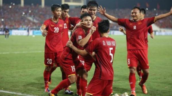 Đội hình tiêu biểu bán kết AFF Cup: Việt Nam áp đảo phần còn lại