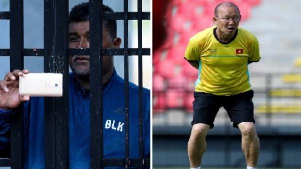 """Malaysia cử """"gián điệp"""" quay lén ĐT Việt Nam, thầy Park bất lực ngăn cản vì đối thủ chơi chiêu quá bất ngờ"""