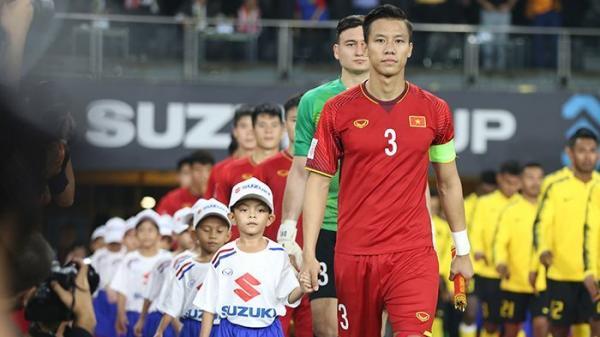 Trước ngưỡng cửa vinh quang của ĐT Việt Nam, đội trưởng Quế Ngọc Hải nói 1 câu khiến triệu người hâm mộ ấm lòng