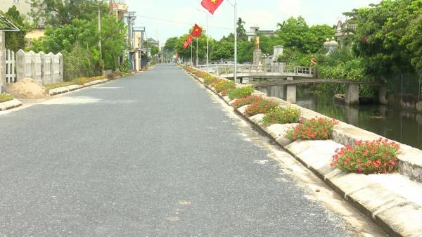 Kiến Xương (Thái Bình): Con đường hoa ở xã nông thôn mới Quốc Tuấn