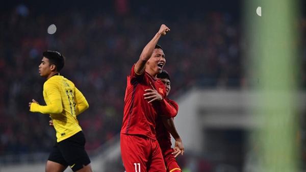 Xé lưới Malaysia quá chuẩn, Anh Đức kiếm tiền tỷ chỉ trong 5 phút, tiền thưởng siêu khủng